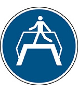 M023 - Χρήση πεζογέφυρας
