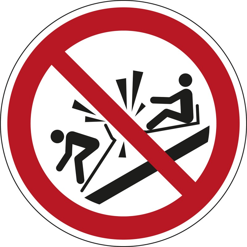P047 - Απαγορεύεται η σύγκρουση με το έλκυθρο