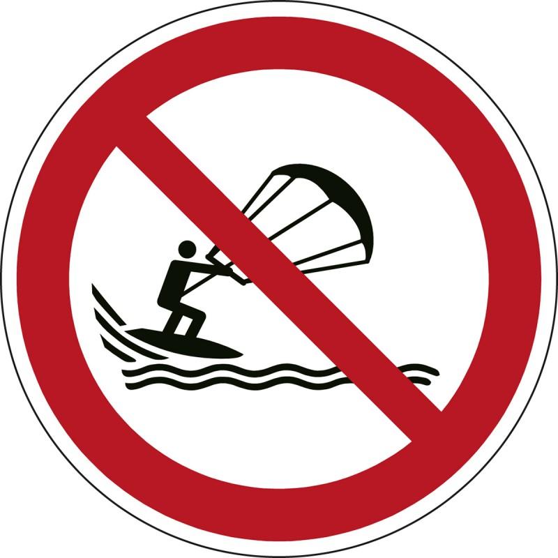 P065 - Απαγορεύεται το kite surfing