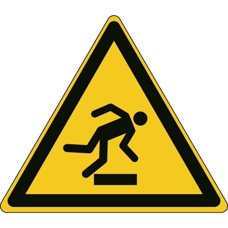 W007 - Προσοχή Εμπόδιο στο επίπεδο του δαπέδου