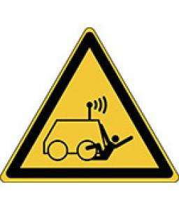 W037 - Προσοχή Καταπάτηση από τηλεχειριζόμενο μηχάνημα